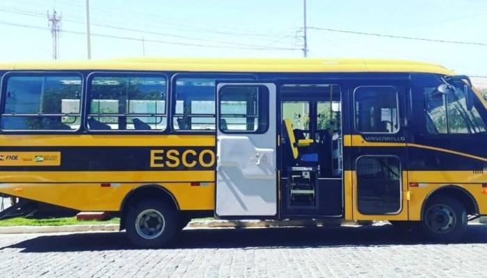 Camalaú recebe ônibus escolar com capacidade para mais de 40 estudantes