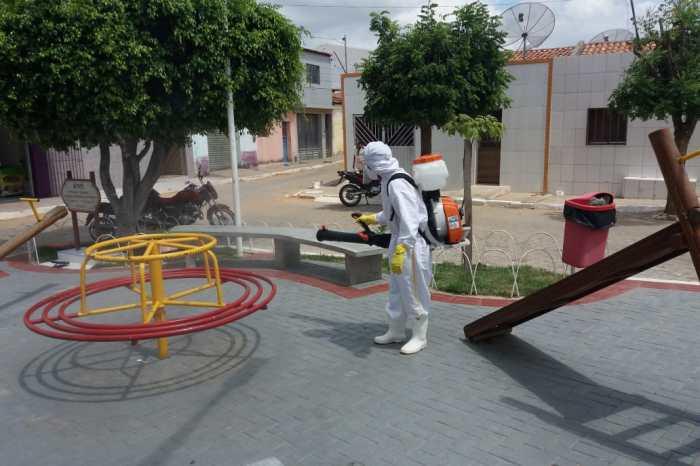 Prefeitura de Sumé intensifica pulverização para desinfecção do covid em vias públicas