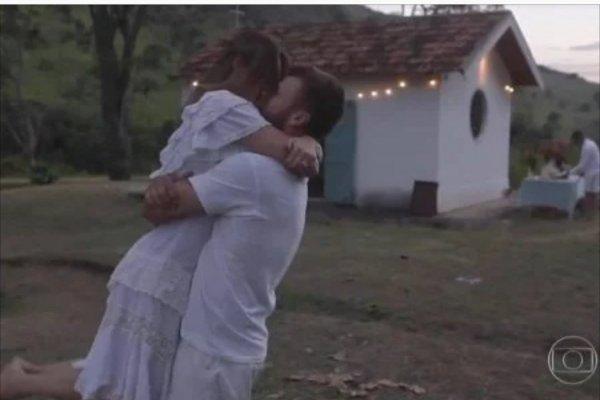 Rodrigo Hilbert construiu capela para casar com Fernanda Lima