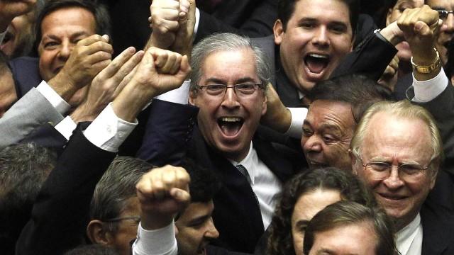 MOÍDOS DA REDAÇÃO: TRF-4 revoga prisão do ex-deputado Eduardo Cunha