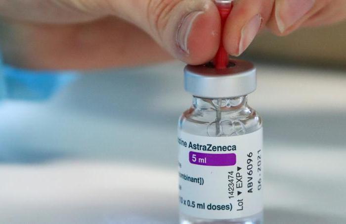 AstraZeneca pode ter vacina contra variante da Covid até fim de 2021, diz jornal