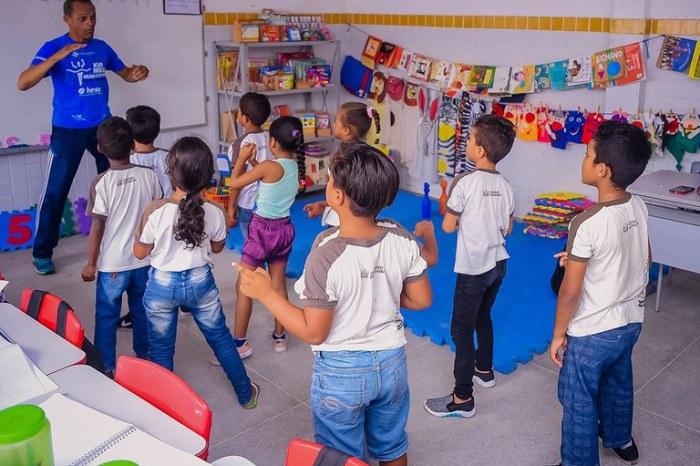 PB lança projeto para alfabetizar 100% das crianças na idade certa