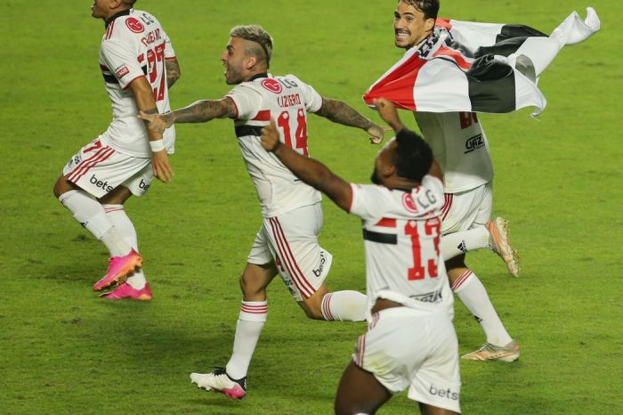 São Paulo derrota Palmeiras e conquista Campeonato Paulista depois de 16 anos