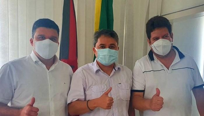 Prefeito de Ouro Velho confirma apoio a pré-candidatura de Efraim Filho ao Senado Federal