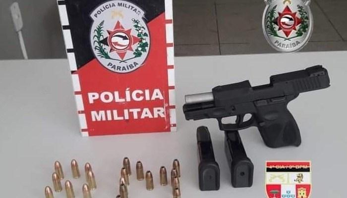 Polícia prende homem e apreende arma e munições em cidade do Cariri
