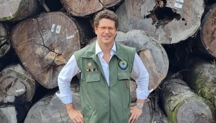 Ministro e presidente do Ibama são alvos de operação que investiga exportação ilegal de madeira