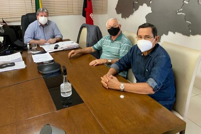 Frei Anastácio e Anísio Maia se reúnem com João Azêvedo e articulam volta do PT ao governo estadual