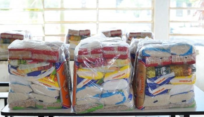 Prefeitura de Monteiro distribui cestas básicas com músicos afetados pela pandemia