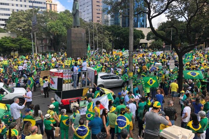 Cidades do Brasil registram manifestações a favor de Bolsonaro