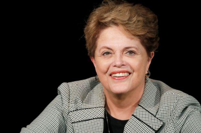 Dilma é internada em UTI de hospital do Rio Grande do Sul