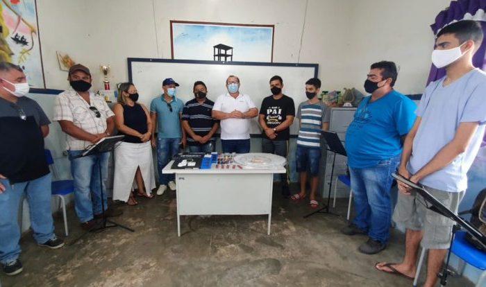 Em Boqueirão: Prefeito anuncia reforma na sede da filarmônica e entrega materiais de manutenção dos instrumentos