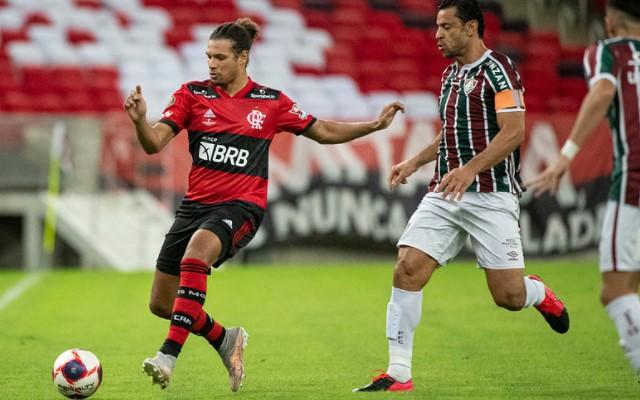 Fluminense e Flamengo empatam no Maracanã, e decisão fica em aberto