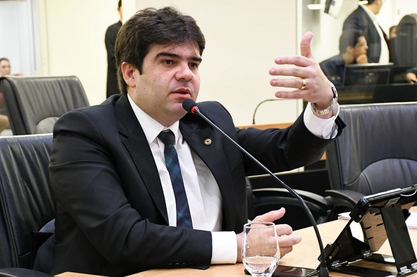 Eduardo Carneiro reforça importância da Ouvidoria Digital para levantamento de informações