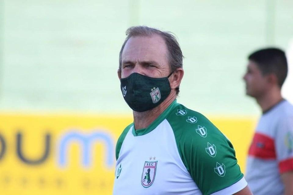 Treinador anuncia saída do Sousa, horas depois de vencer o clássico contra o Atlético-PB