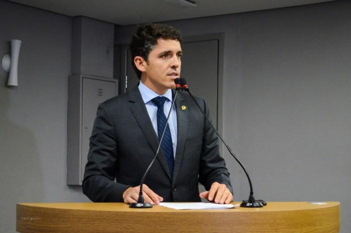 MOÍDOS DA REDAÇÃO: Em defesa dos produtores de leite, deputado pede ajuda da bancada federal para não permitir o fim do programa