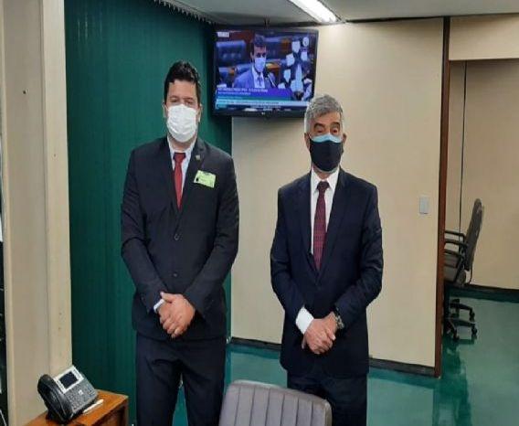 Prefeito de Prata se reúne com deputado Wellington Roberto e consegue emendas para a saúde