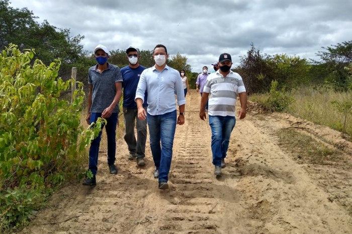 Prefeito de Sumé Éden Duarte vistoria obras e implantação do Cozinha Solidária no Distrito de Pio X
