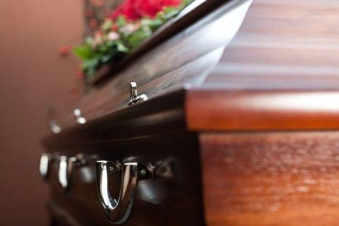 Mulher que morreu vítima de covid-19 em João Pessoa é enterrada por família errada após erro em reconhecimento