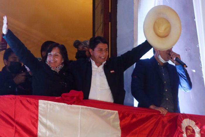 Bolsonaro envia cumprimentos a Pedro Castillo por eleição no Peru