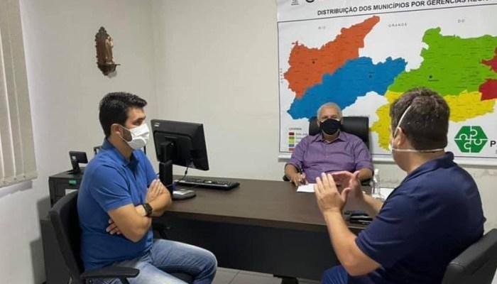 Dr. Júnior e Wilson Filho anunciam mais uma passagem molhada para a zona rural de Ouro Velho