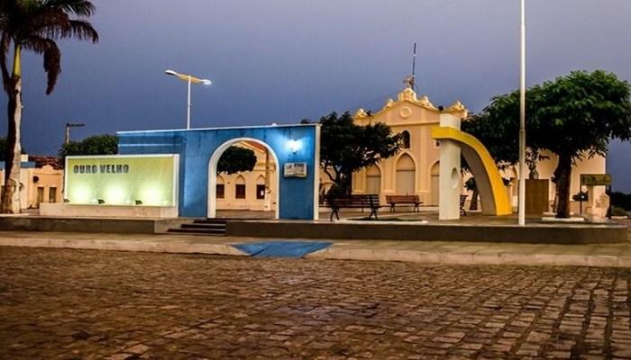 OURO VELHO: prefeito Dr. Augusto publica novo decreto com medidas de combate ao Covid-19