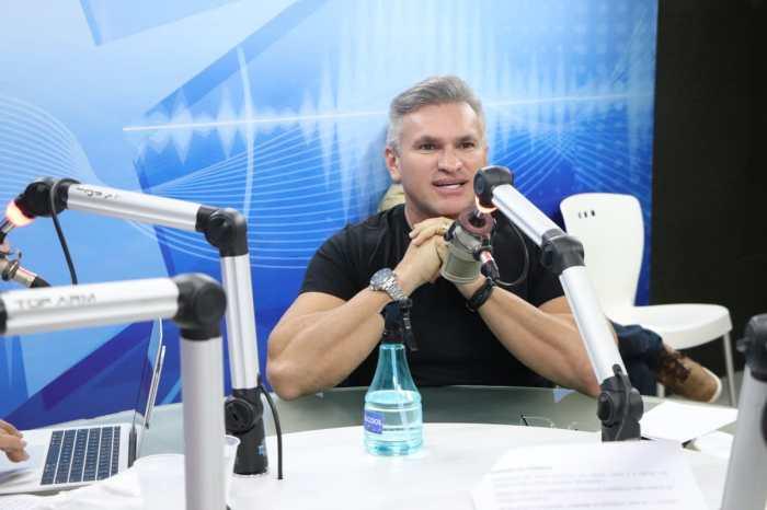 Julian Lemos diz que não é o deputado de Bolsonaro e nem quer ser