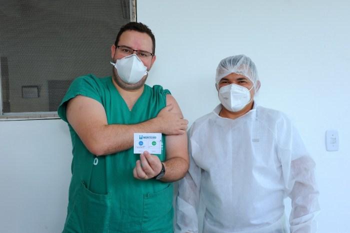 COVID-19: Secretaria de Saúde de Monteiro confirma que 50% da população está vacinada