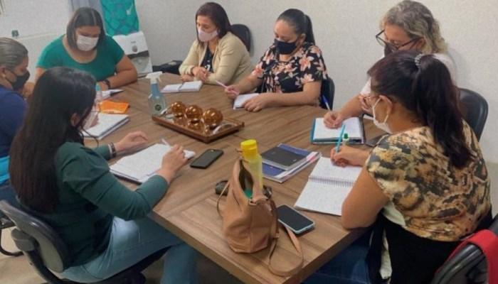 Monteiro: Secretaria de Educação discute plano de ações a ser implantado neste segundo semestre na Rede Municipal