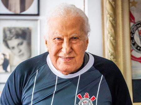 Morre Alberto Dualib, ex-presidente do Corinthians
