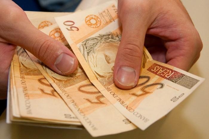 Justiça aplica multa de R$ 300 mil a coligação que causou aglomeração nas eleições na PB
