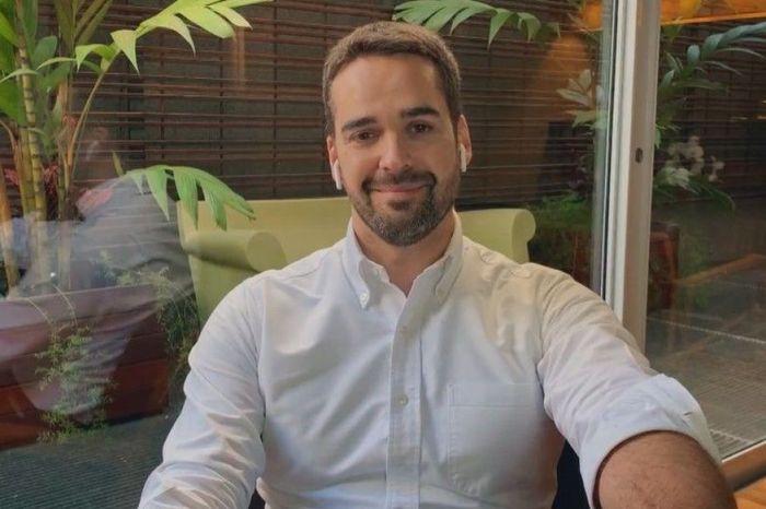 """""""Sou um governador gay. E tenho orgulho disso"""", diz Eduardo Leite em Conversa com Bial"""
