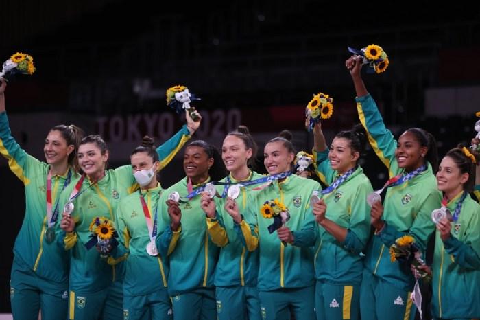 Brasil é vencido pelos Estados Unidos na final olímpica e fica com a medalha de prata