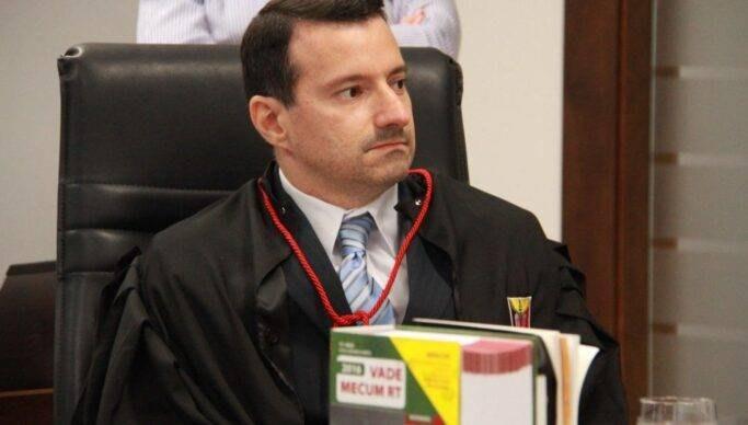 João nomeia Hortêncio como novo procurador-geral de Justiça
