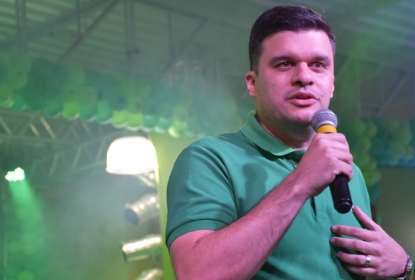 Aprovado: prefeito de Ouro Velho é destaque em revista de circulação estadual