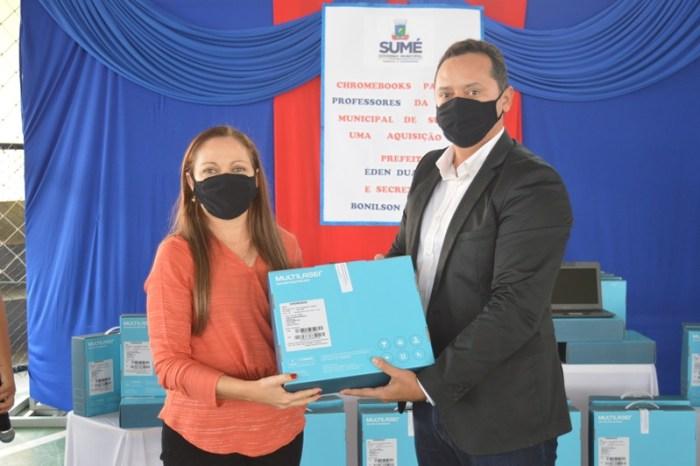 Prefeitura de Sumé faz a entrega de 125 notebooks aos professores da rede municipal