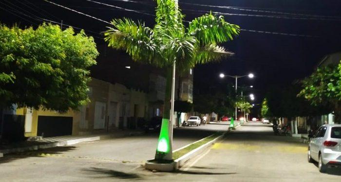 Prefeitura de Ouro Velho implanta nova iluminação de LED na Avenida Jacinto Dantas