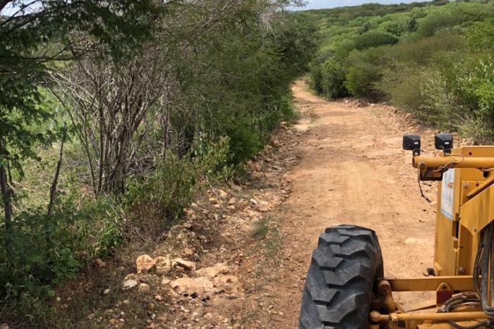 Secretaria de Agricultura de Monteiro recupera 25 estradas somente no mês de Julho