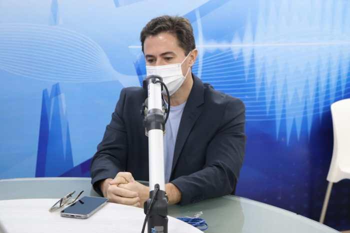 Veneziano volta a defender reeleição de João, mas não nega desejo de ser governador