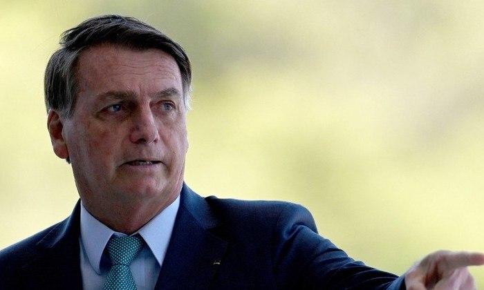 """Bolsonaro diz que não se vacinará contra a Covid-19: """"Minha imunização está lá em cima"""""""