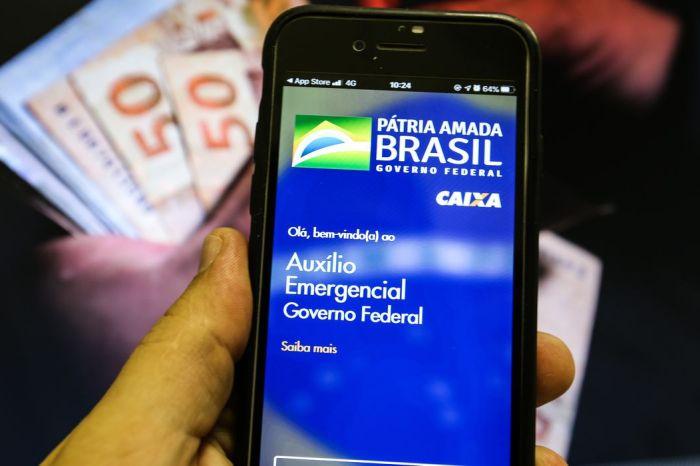 Auxílio emergencial é pago a beneficiários do Bolsa Família com NIS 4