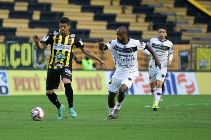 Com um a mais, Botafogo-PB cede empate ao Volta Redonda nos acréscimos