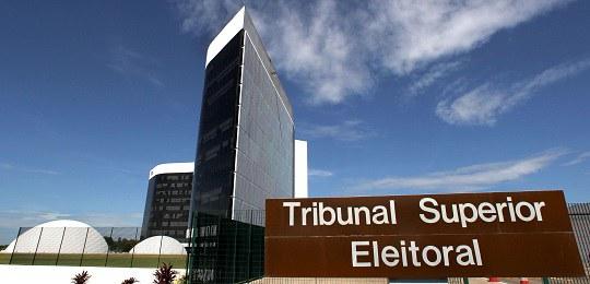Em carta, todos os ex-presidentes do TSE desde 1988 defendem urna eletrônica