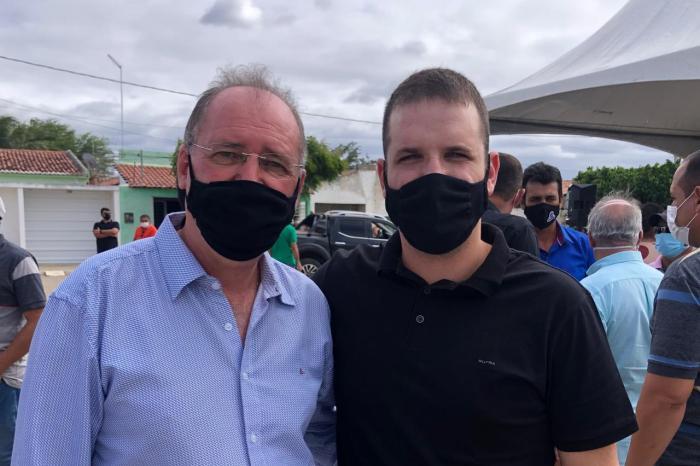 Prefeitos se unem em luta pelo asfaltamento entre Parari e São João do Cariri