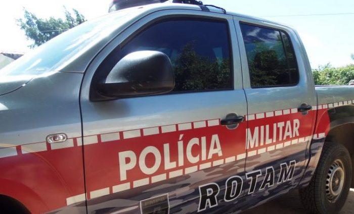 Polícia recupera veículo roubado após perseguição e troca de tiros no Cariri