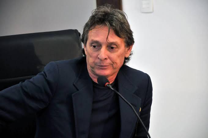 """Edson Fachin decide que prisão de empresário Roberto Santiago no âmbito da Xeque-Mate foi """"ilegal"""""""