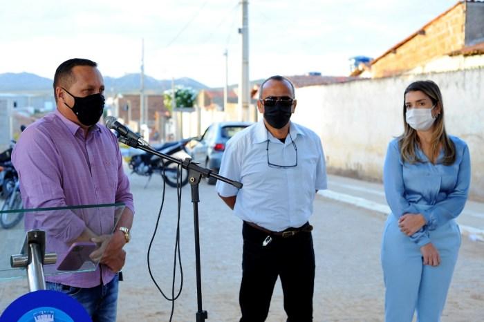 MOÍDOS DA REDAÇÃO: Presidente da Câmara de Monteiro participa de inauguração ao lado da prefeita Anna Lorena