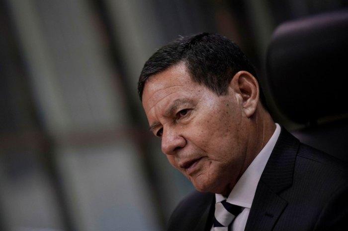 Mourão diz que não 'há clima' para impeachment e evita comentar falas de Bolsonaro