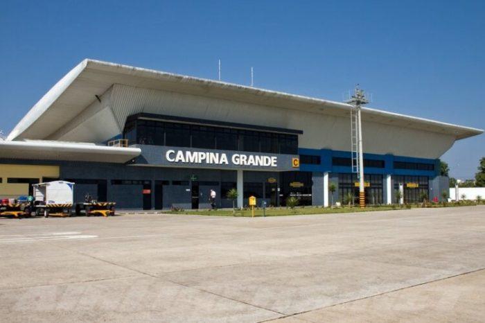 Funcionários e passageiros se assustam com suspeita de bomba em aeroporto em Campina