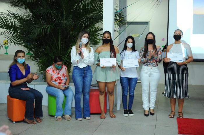Prefeita de Monteiro participa do encerramento do mês da Juventude