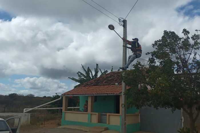 """Programa """"Mais Luz no Campo"""" beneficia mais 35 famílias de 06 comunidades em Monteiro"""